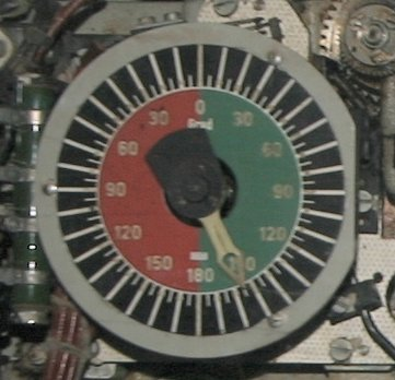 The torpedo deflection angle dial of the German torpedo calculator as the dial with rotating pointer