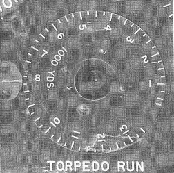 Wskaźnik długości toru torpedy amerykańskiego kalkulatora torpedowego w postaci obrotowej tarczy